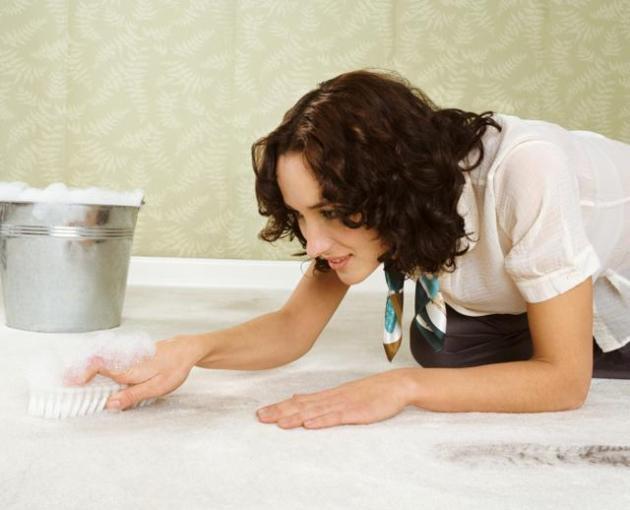 Сухая чистка ковра в домашних условиях содой